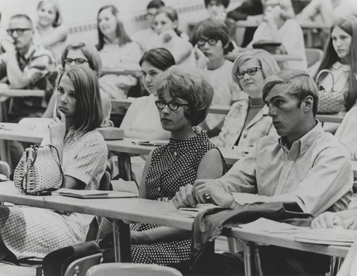 studenti in clasa