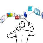 Merita sa lucrezi in Social Media?